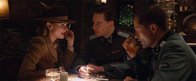 Archie Hicox interpretado por Michael Fassbender, Bridget von Hammersmark interpretada por Diane Kruger