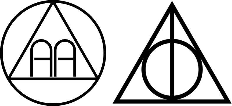 Logo de alcohólicos anónimos a la izquierda y logo de las reliquias de la muerte de Harry Potter a la derecha.