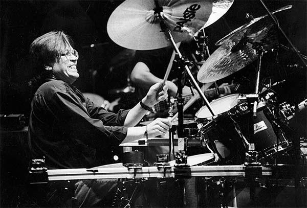 Jeff Porcaro, batería de Toto y que grabó, entre muchos otros, el Thriller de Michael Jackson. Lecciones de vida del instrumento musical.