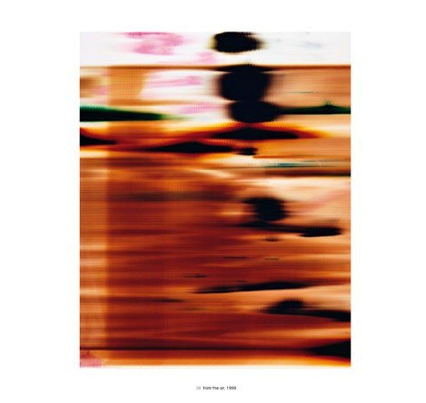 Wolfgang Tillmans. Ensayo sobre fotografía experimental en Cultugrafía, revista de difusión y crítica cultural