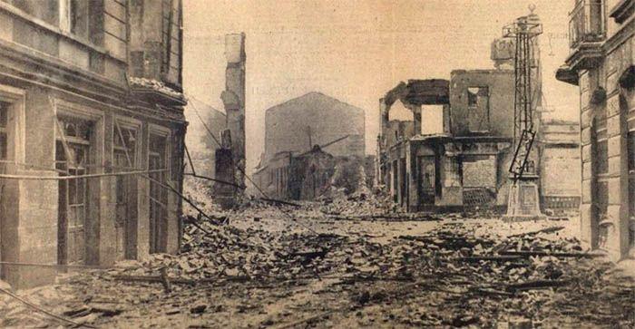 Ruinas tras el bombardeo en Guernica.